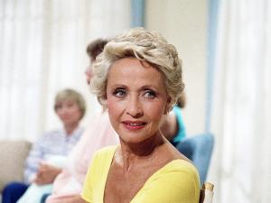 Jane Powell, Hollywood Golden-Age Musicals Star, Dies at 92